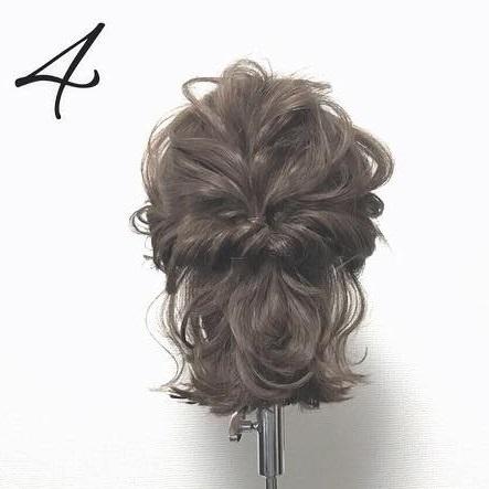 スタイルアップ!ウエストマークファッションに合うヘアスタイル2