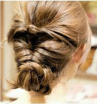 くるりんぱと編み込みのオシャレまとめ髪