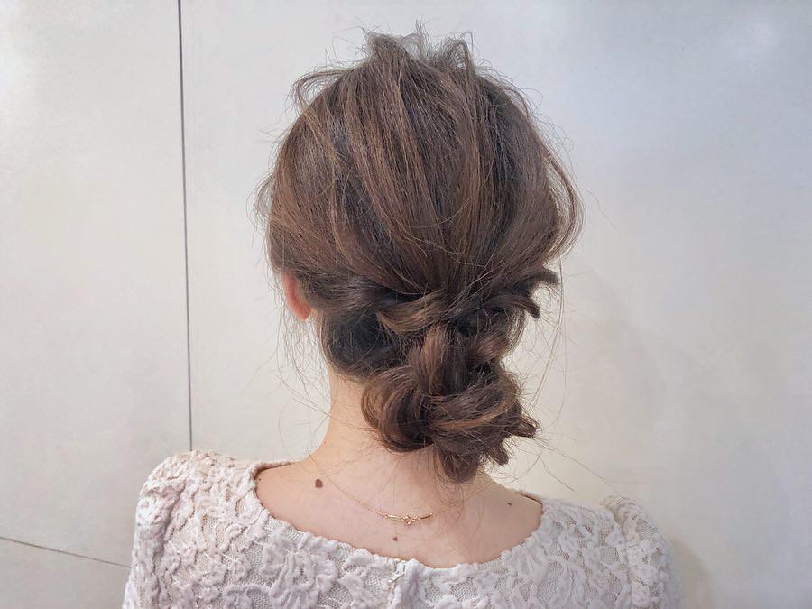 忙しい朝でも◎髪を巻かずにできるヘアアレンジ2