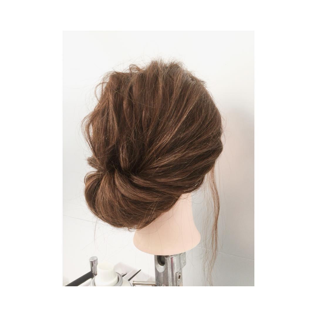 忙しい朝でも◎髪を巻かずにできるヘアアレンジ8
