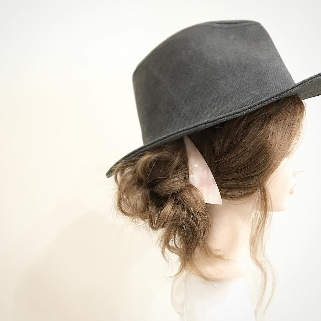 日焼け対策にばっちり◎帽子を被る時におすすめのヘアアレンジ7