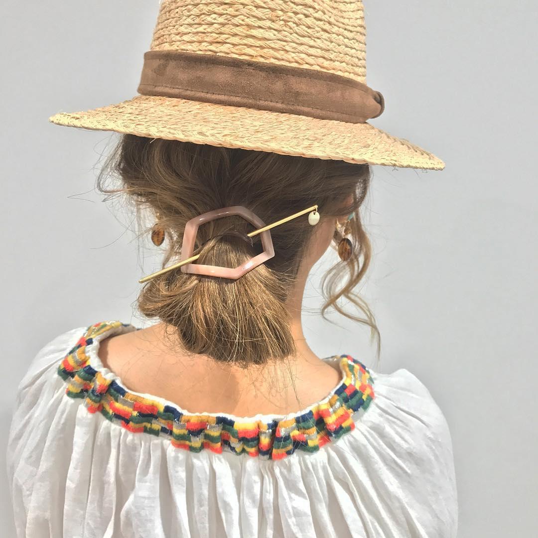日焼け対策にばっちり◎帽子を被る時におすすめのヘアアレンジ5