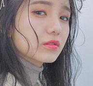 韓国の女の子たちに大人気♪ティントリップに似合うヘアアレンジ1(メイク)