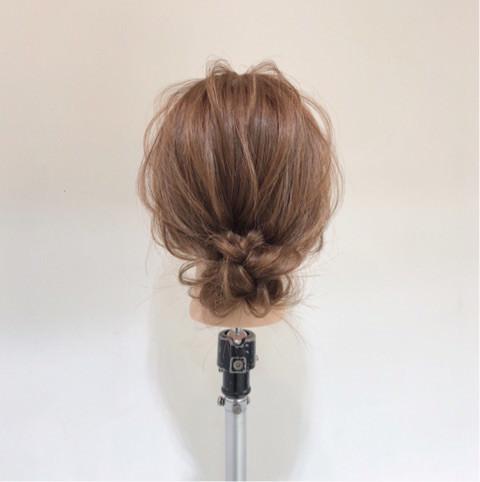 今季流行のアシンメトリートップス(ワンショルダー)に似合うヘアアレンジ 5