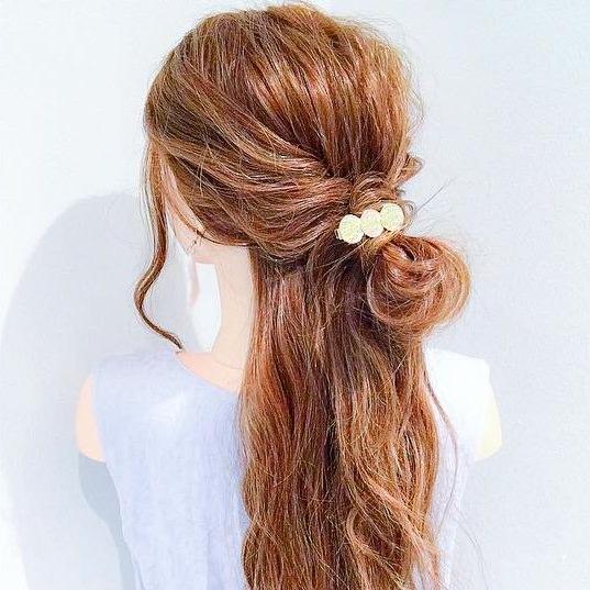 自分で髪が巻けない女子必見☆コテ要らずのゆるふわヘアアレンジ お団子ハーフアップ