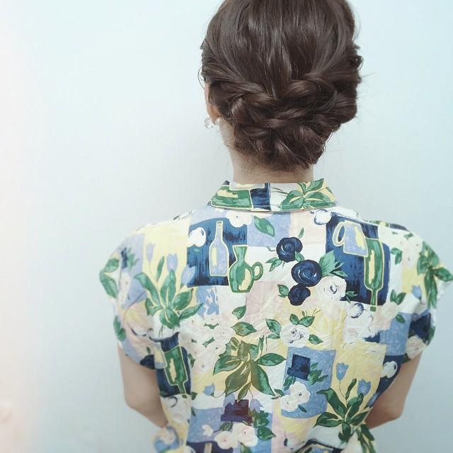 ファッションとヘアの相性は?トレンドのレトロ柄に合うヘアアレンジ3