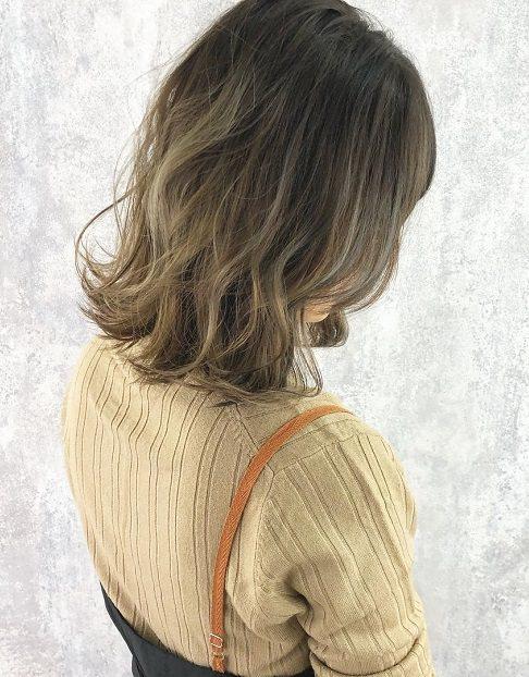 今っぽさで今季のオシャレ女子に!ブラウン・ベージュコーデにぴったりヘアアレンジ♡