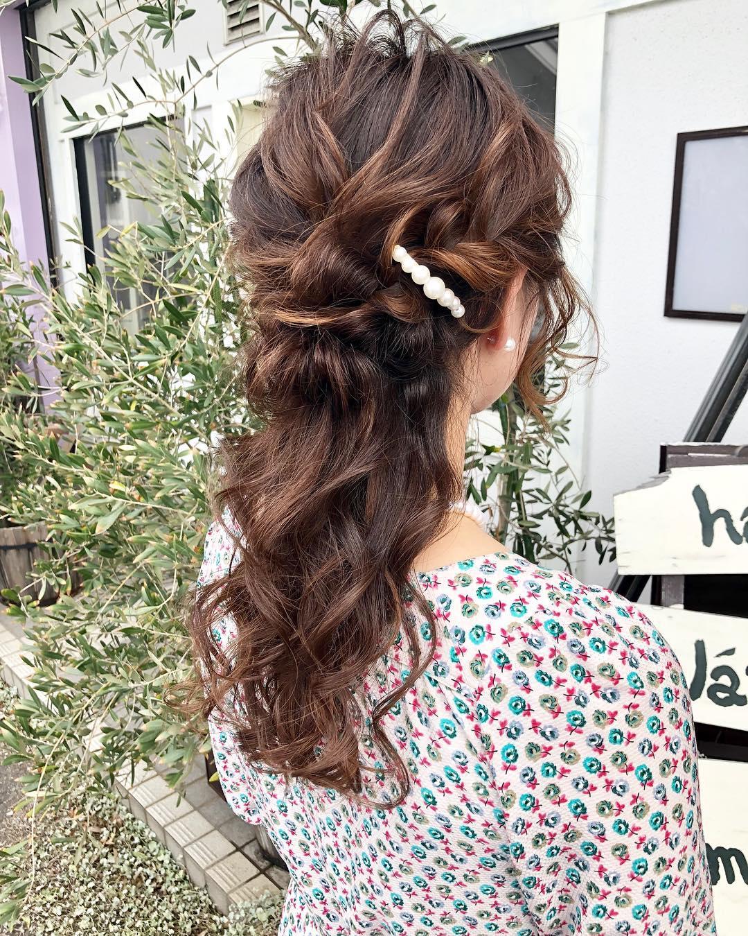 ファッションとヘアの相性は?トレンドのレトロ柄に合うヘアアレンジ5