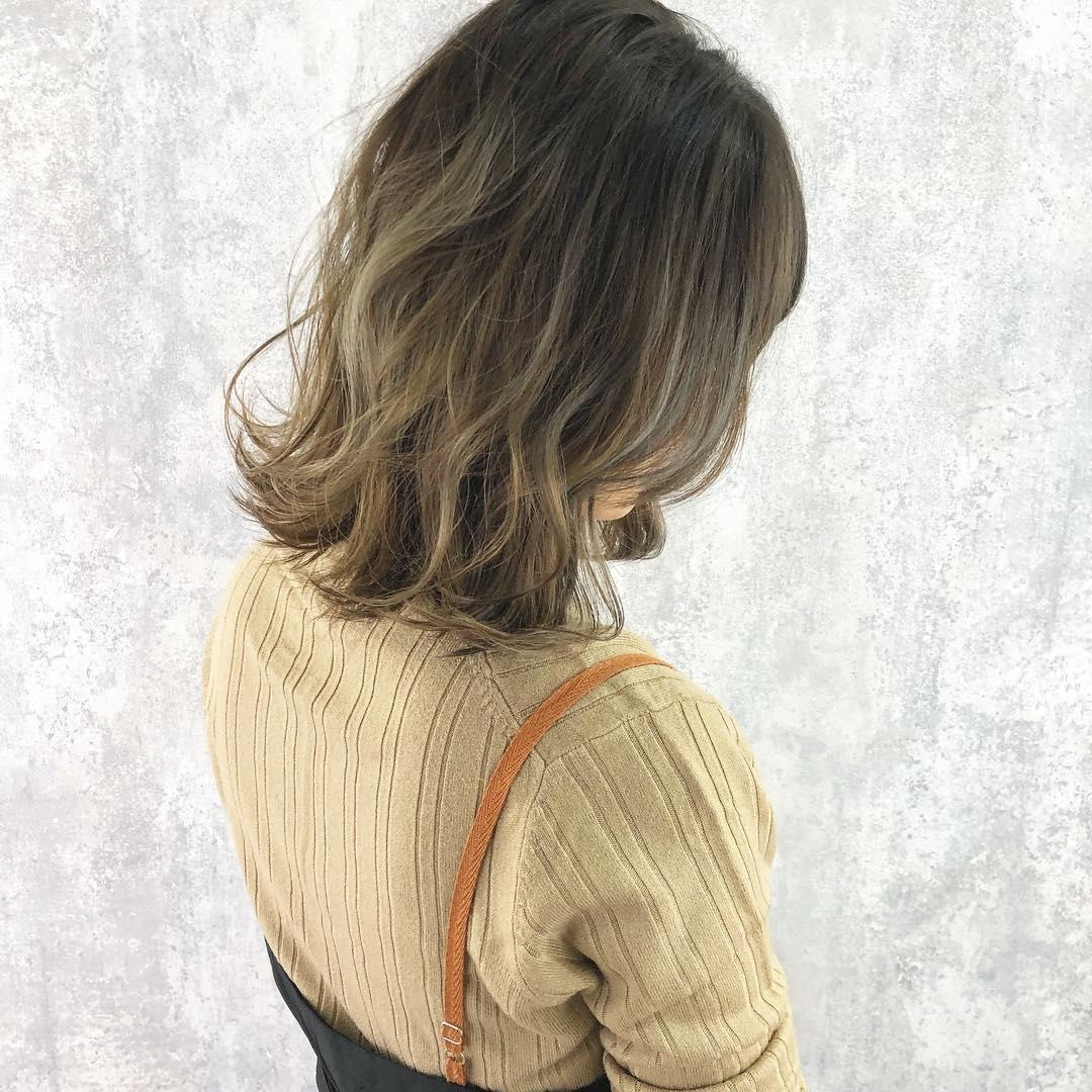 今っぽさで今季のオシャレ女子に!ブラウン・ベージュコーデにぴったりヘアアレンジ♡ top