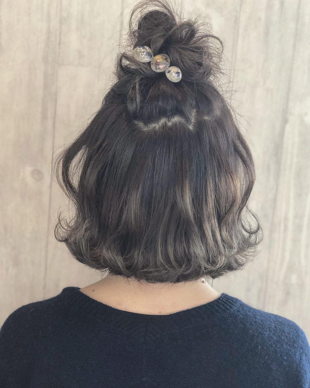 寒い日には欠かせない!マフラーをしても邪魔にならないヘアアレンジ6