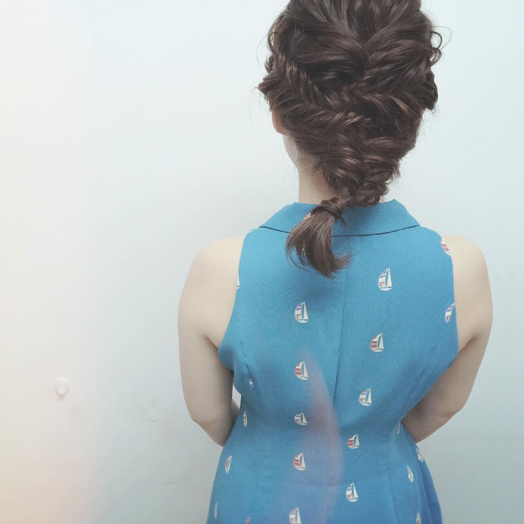 ファッションとヘアの相性は?トレンドのレトロ柄に合うヘアアレンジ9
