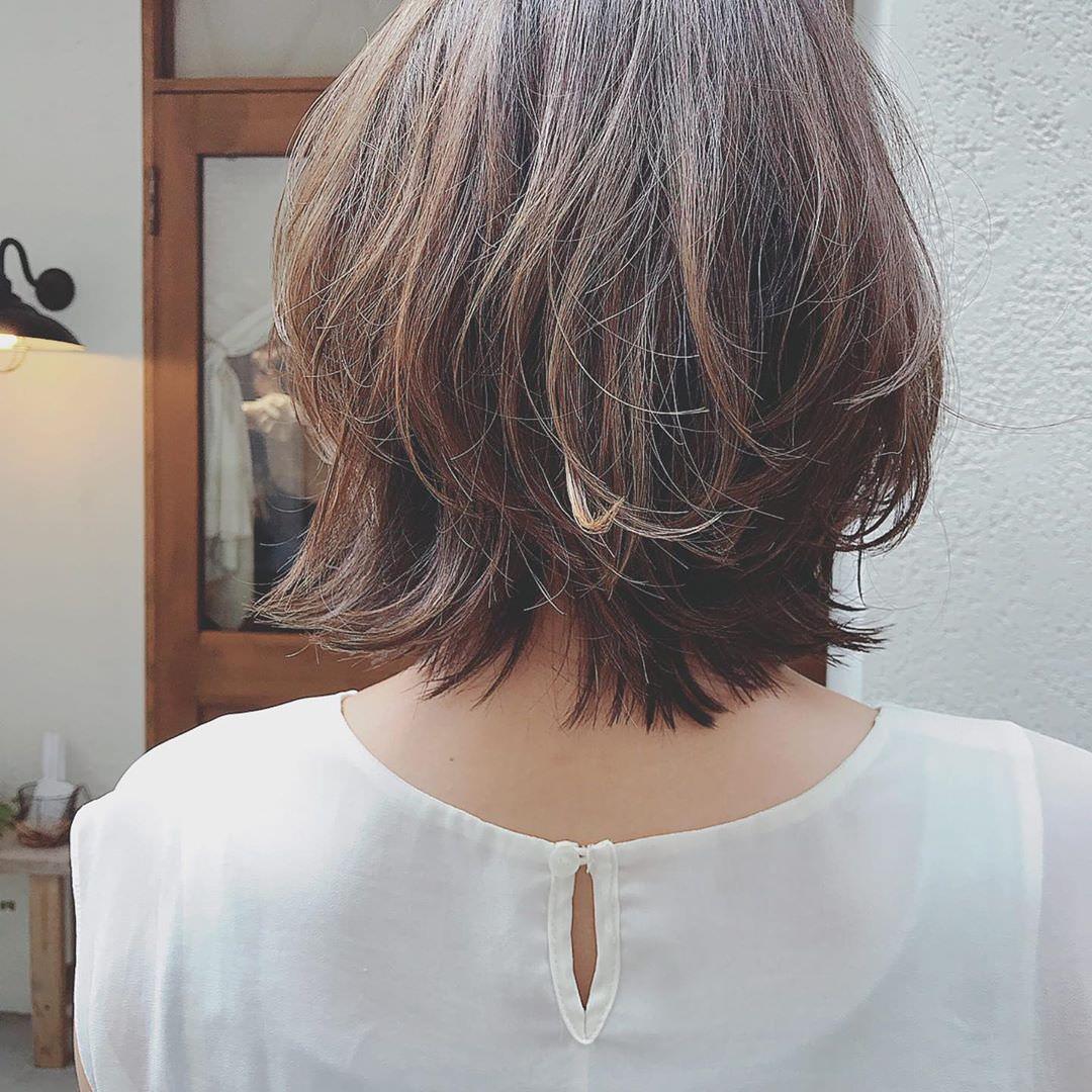 寒いから髪を結びたくない!そんな女子たちにおすすめの巻き髪スタイル4