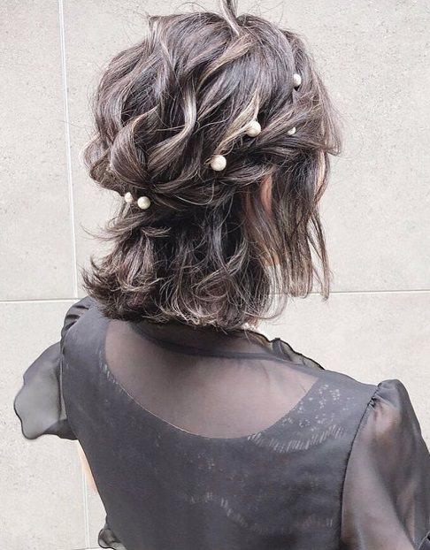 キラキラパールが冬っぽくてカワイイ♡パールのヘアアクセに似合うヘアアレンジ
