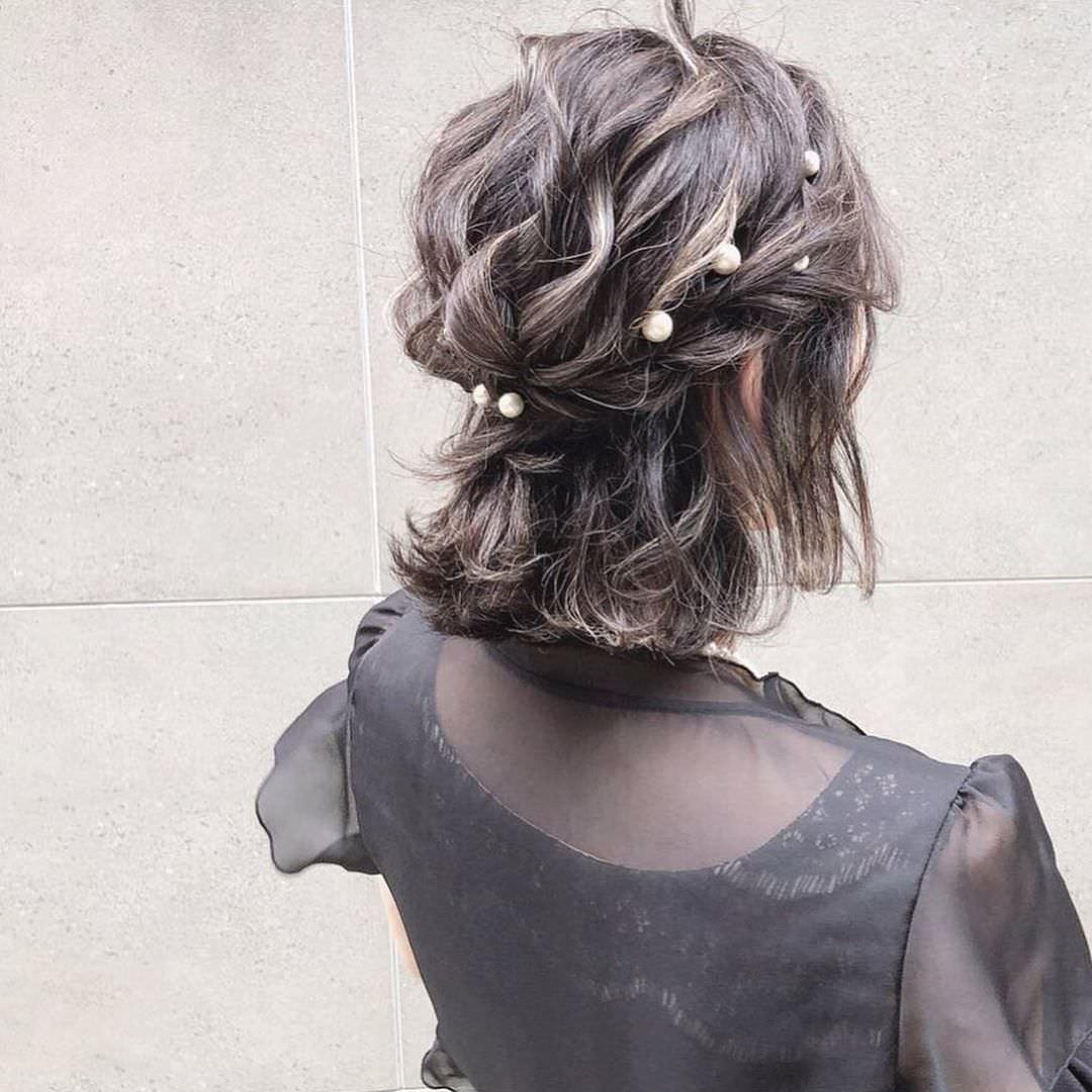 キラキラパールが冬っぽくてカワイイ♡パールのヘアアクセに似合うヘアアレンジtop