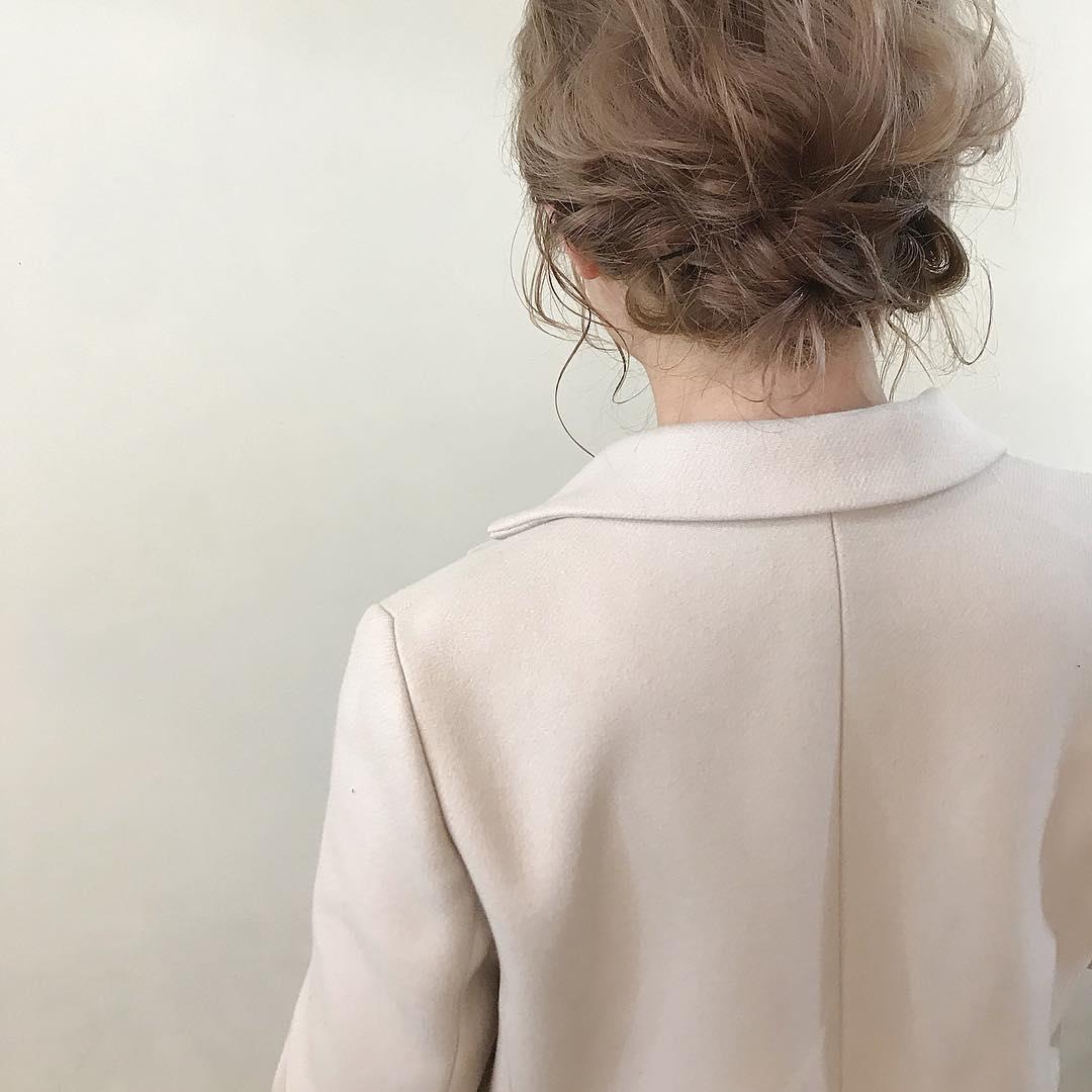 トレンド☆ロングコート×ロングスカートの組み合わせに合うヘアアレンジ3