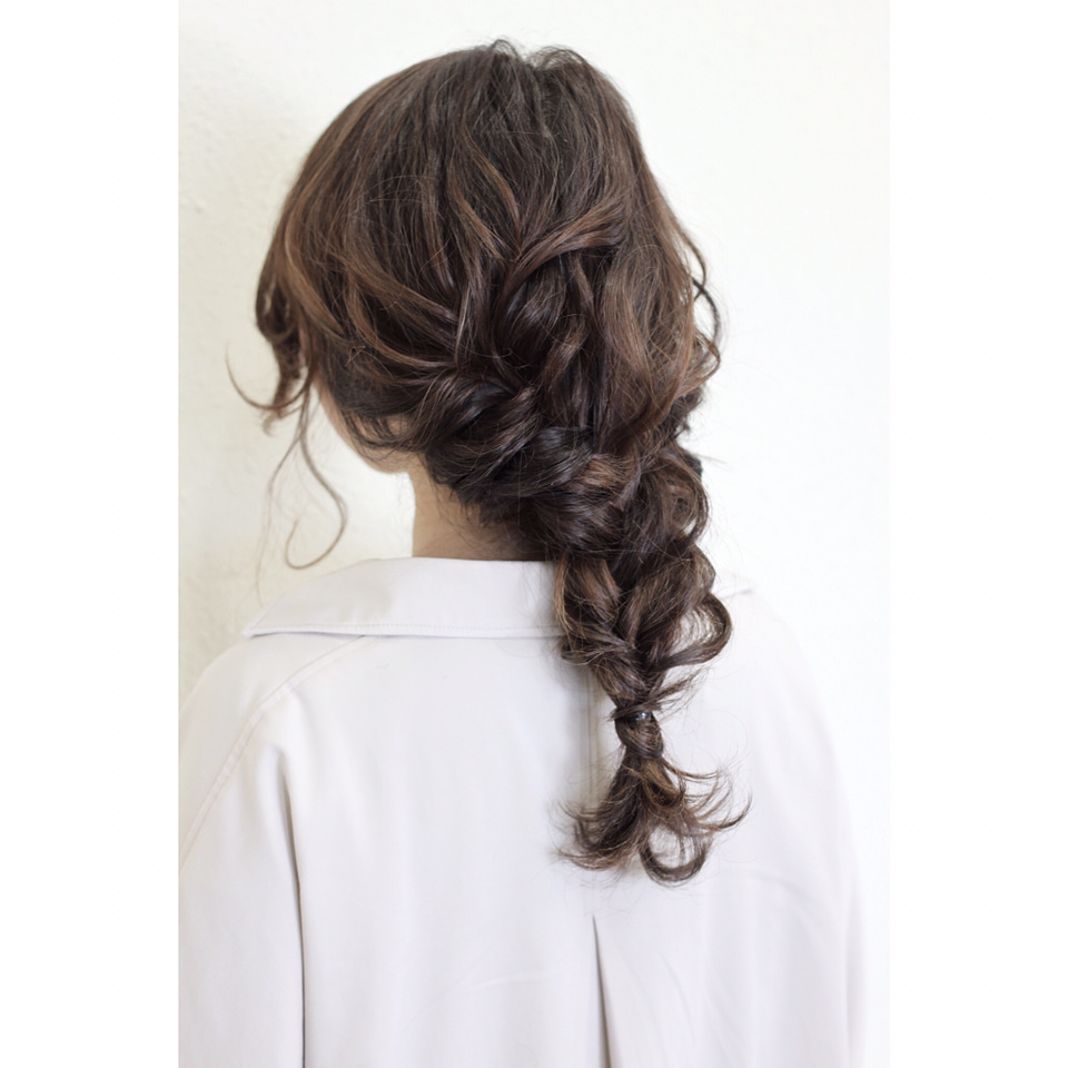 トレンド☆ロングコート×ロングスカートの組み合わせに合うヘアアレンジ7
