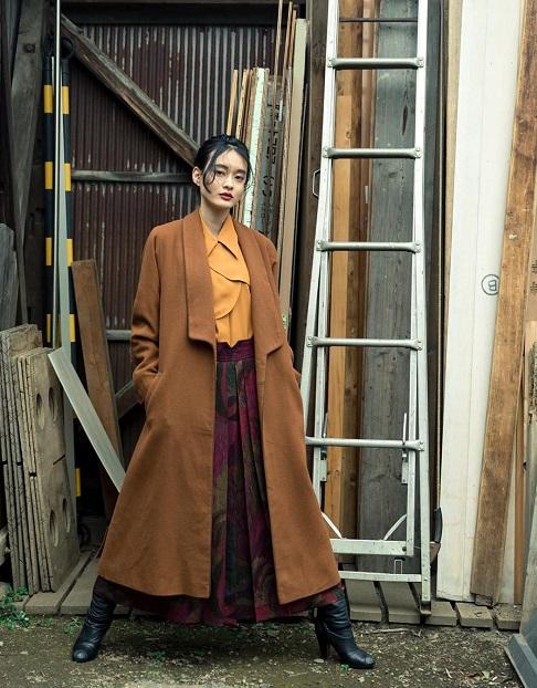 トレンド☆ロングコート×ロングスカートの組み合わせに合うヘアアレンジ