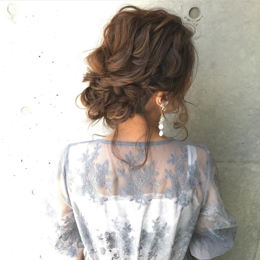 周りと差がつくポイント☆おくれ毛必須のヘアアレンジ3