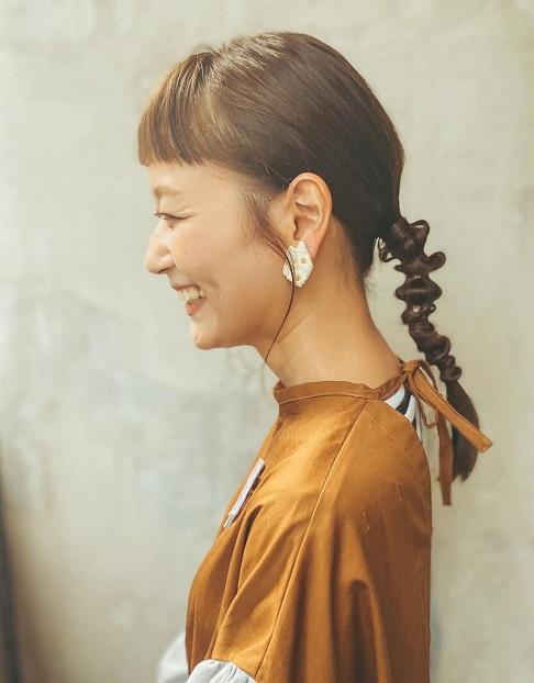 横顔をもっと美人に♪顔のラインが綺麗に見えるヘアアレンジ!