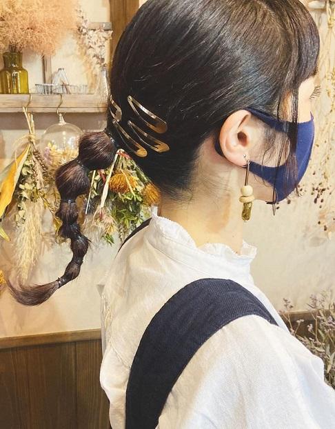 マスクと合わせると可愛いヘアアクセをご紹介☆