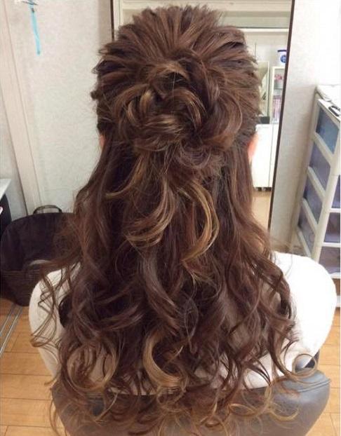 ヘアアクセがなくても可愛く!髪で作るお花へア♪