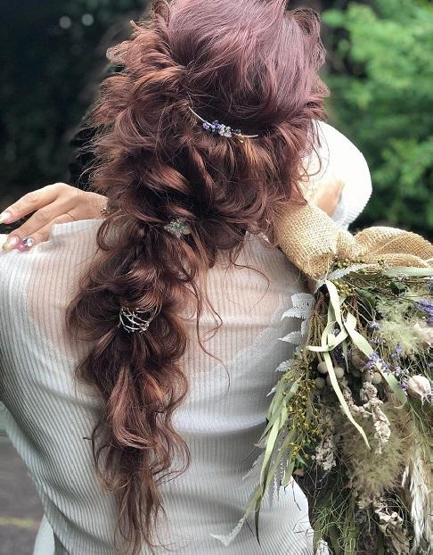 髪で遊びたい個性派女子に♪周りと差がつけられるポニーテール特集