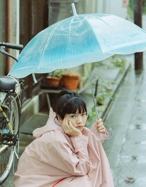 梅雨のじめじめを吹き飛ばす☆崩れにくくてお洒落なまとめ髪アレンジ