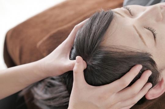 ヘッドマッサージ+電気を流す美顔鍼【施術時間40分】