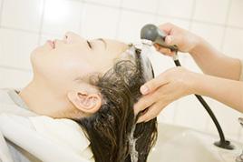 ケラスターゼピーリングシャンプー+髪と頭皮のマッサージトリートメント 【施術時間35分】